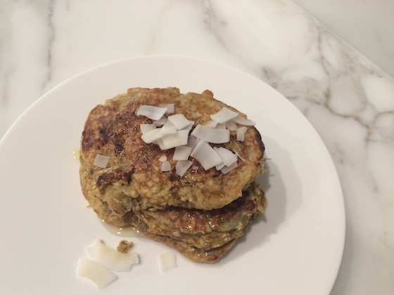 Easiest Protein Pancakes + recipe | Glitter & Grace Blog #recipe #glutenfree