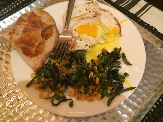Daily Eats | Glitter & Grace Blog