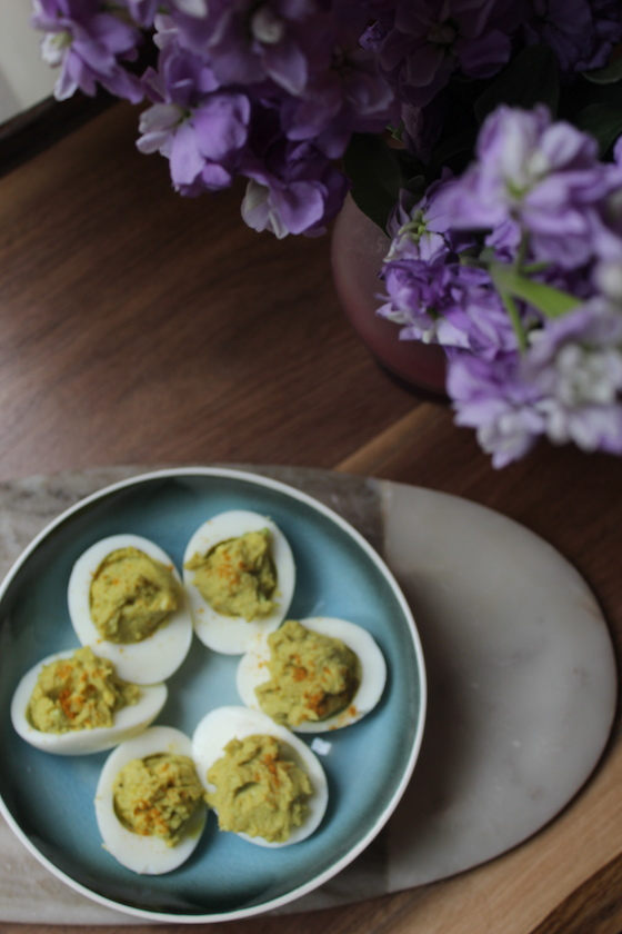 curriedAvocadoDeviledEggs06