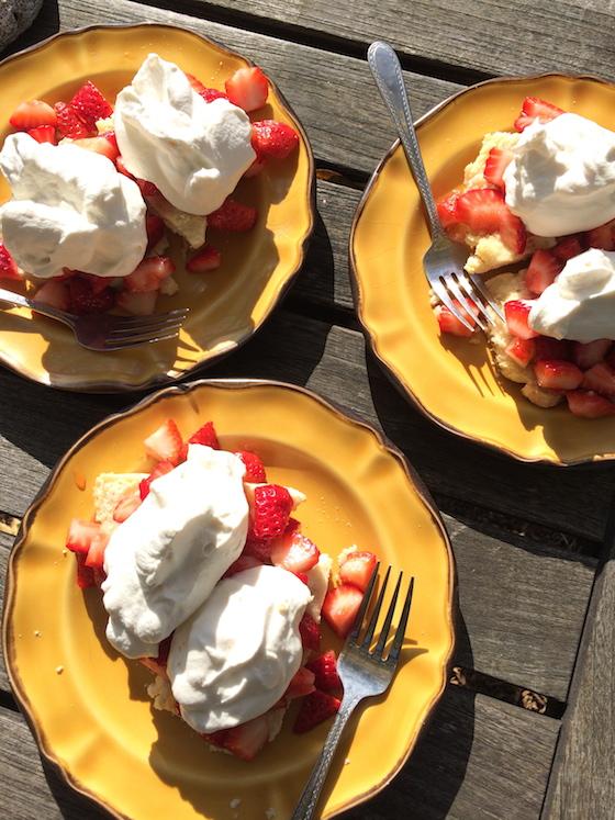 Strawberry Shortcake | Glitter & Grace Blog #springrecipe #strawberry