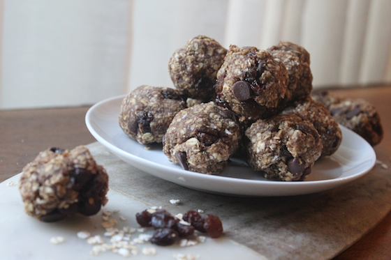 Chocolate Cinnamon Raisin Energy Bites + recipe | Glitter & Grace Blog