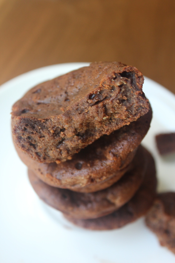 Petite Belgian Brownies + recipe | Glitter & Grace Blog #chocolate #brownies