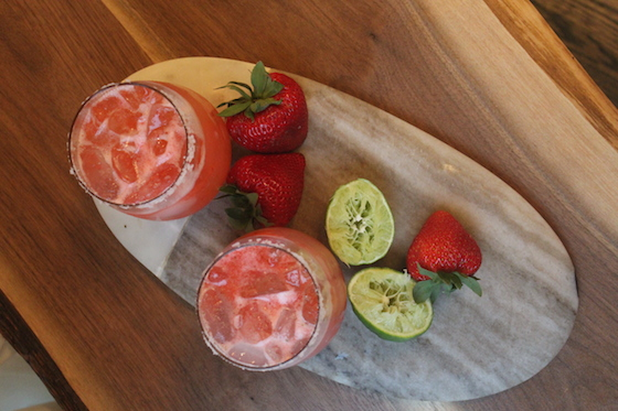 Strawberry Margaritas + recipe | Glitter & Grace Blog #strawberry #cocktail #springrecipe