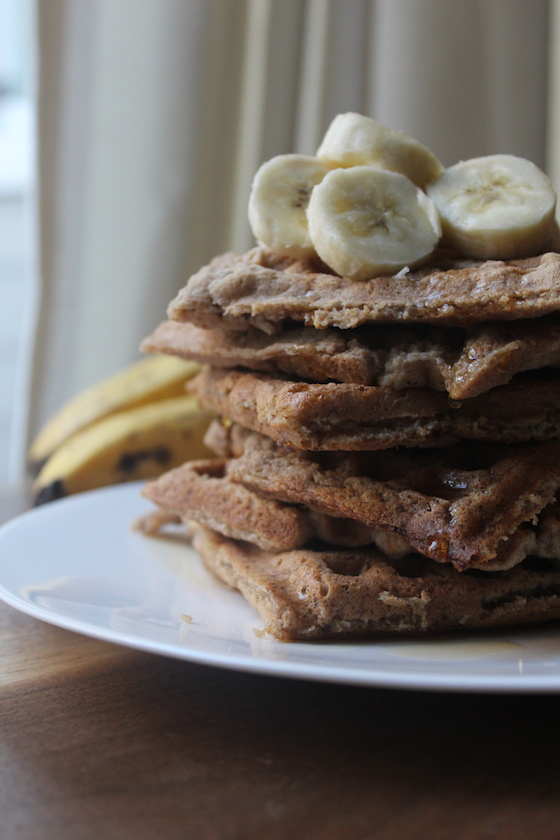 Vegan Banana Waffles + recipe | Glitter & Grace Blog #banana #breakfast #vegan
