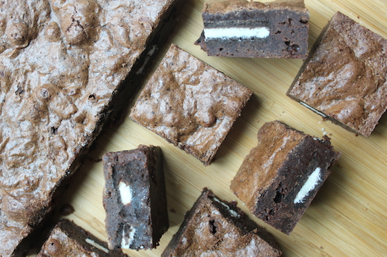 Cookies & Cream Brownies + recipe | Glitter & Grace Blog #chocolate #oreo